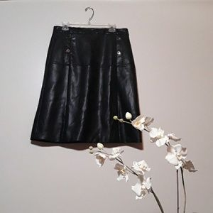 Liz Claribone   Career Faux leather skirt